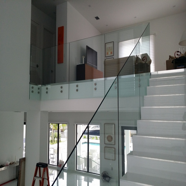 Frameless Glass Railing System with Stainless Steel Standoff PR-B74