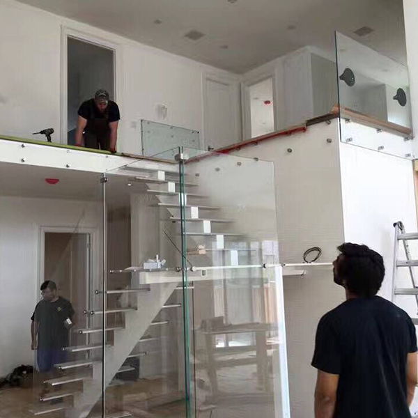 Canada Wood Staircase Glass Railing Project